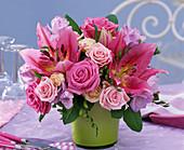 Positiv - Negativ - Sträuße : Strauß in passender Vase