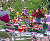 Easter breakfast table with Tulipa bouquet, Hyacinthus