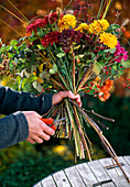 Tie autumn bouquet