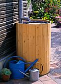 Dress rain barrel