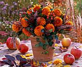 Bouquet made of Dahlia, Calluna, Hedera, Skimmia