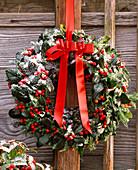 Tie tie for door wreath