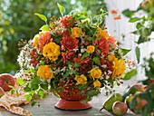 Autumn bouquet of chrysanthemum (chrysanthemum), pink