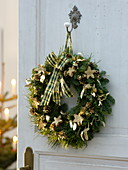 Door wreath made from Abies procera (Nobilistanne), Buxus (book), Pinus