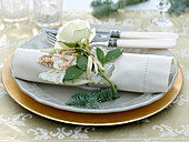 Napkin deco angel-wafer, white rose and abies procera