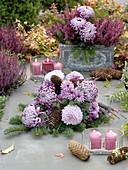Rosa Grabgesteck : Chrysanthemum grandiflorum 'Malabar','Morning Light'