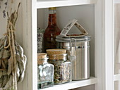 Herbal teas, Mehlldes, herbal vinegar, dried sage