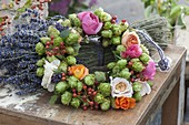 Wreath out of plants that are suitable for soothing tea