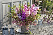Bouquet with gladiolus and Euonymus eropaeus
