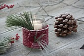 Preserving jar as a lantern with scarf made of knitted ribbon, Pinus lace