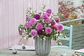 Bouquet made of Dahlia and Symphoricarpos (snowberry)