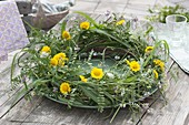 Grass wreath of grasses, Anthemis tinctoria, Coronilla