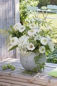 White late summer bouquet made of zinnia (zinnia), hydrangea