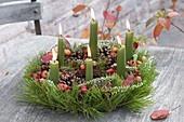 Autumn wreath of Pinus, Calluna, Malus