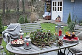 Late autumn, winter with friends in the garden