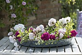 Wreath made of roses 'Paul's Himalayan Musk', 'Rose de Resht' (scented rose)