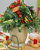 Tying a vegetable bouquet