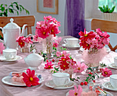 Table decoration with Cosmos bipinnatus (jewelery basket)