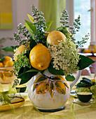 Strauß aus Zitronen (auf Holzstab)
