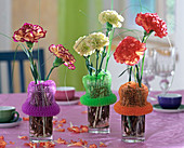 Decoration with household accessories