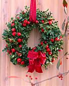 Buxus (Book Wreath)
