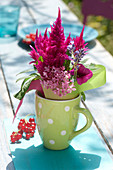 Modern, pink table decoration
