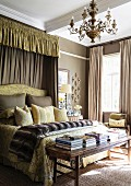 Classic, Victorian-style bedroom