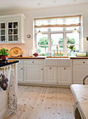 White country-house kitchen
