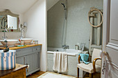 Vintage-style bathroom in shades of blue and grey