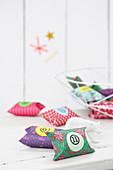 DIY-Adventskalender aus Papprollen