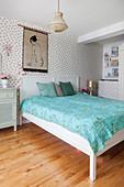 Polka-dot wallpaper pastel bedroom
