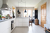 Modern, country-house-style fitted kitchen