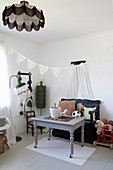 Vintage-style child's bedroom
