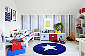 Boy's bedroom in blue, white and red