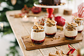 Glass bowls of gingerbread mousse