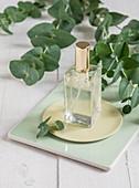 DIY-Körperspray aus Rosenwasser und Aloe-Vera-Gel