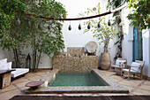 Pool in courtyard of the Hotel Ryad Dyor (Marrakesh, Morocco)