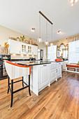 Große Wohnküche im Amerikanischen Landhausstil