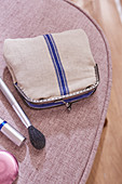 A mini DIY clutch made from linen