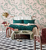 Exotic vintage wallpapers with palm tree motif in the bedroom