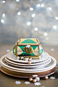 Plates and jewellery box with Christmas decorations