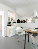 Grey-and-white, Scandinavian-style dining room