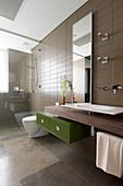 Modern bathroom in shades of brown