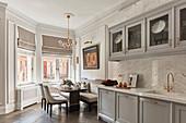 Luxuriöse Wohnküche im Amerikanischen Stil