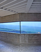 Continuous ribbon window with panoramic view of landscape