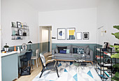 Modern apartment in shades of blue with graphic patterns