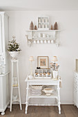 Vintage-style furniture in shabby-chic kitchen