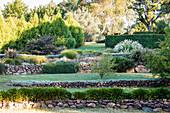 Terrassenförmig angelegter Garten