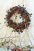 Kranz aus den Beeren vom wilden Wein