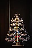 Weihnachtsbaum aus Glasperlen